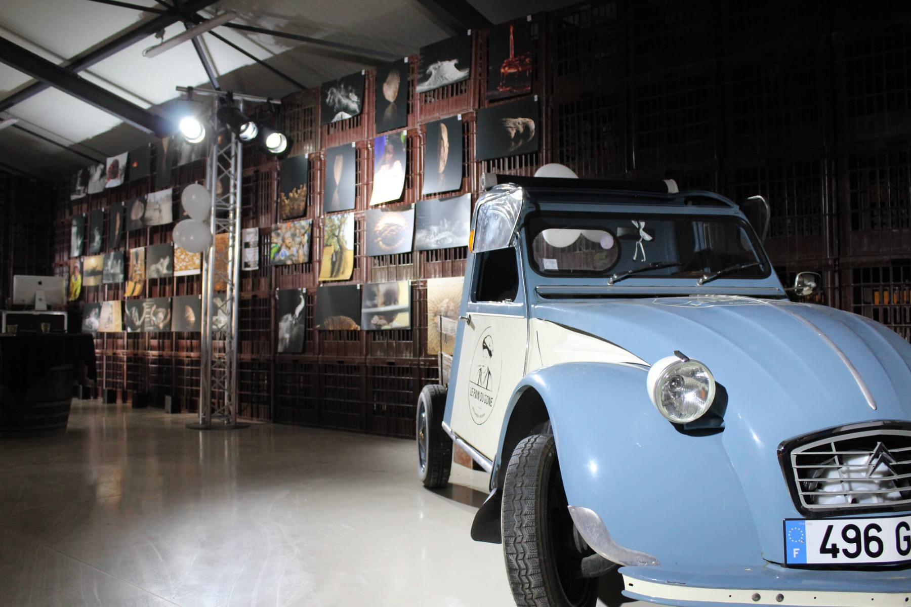 Mise en valeur de voiture et de l'art avec éclairage LED