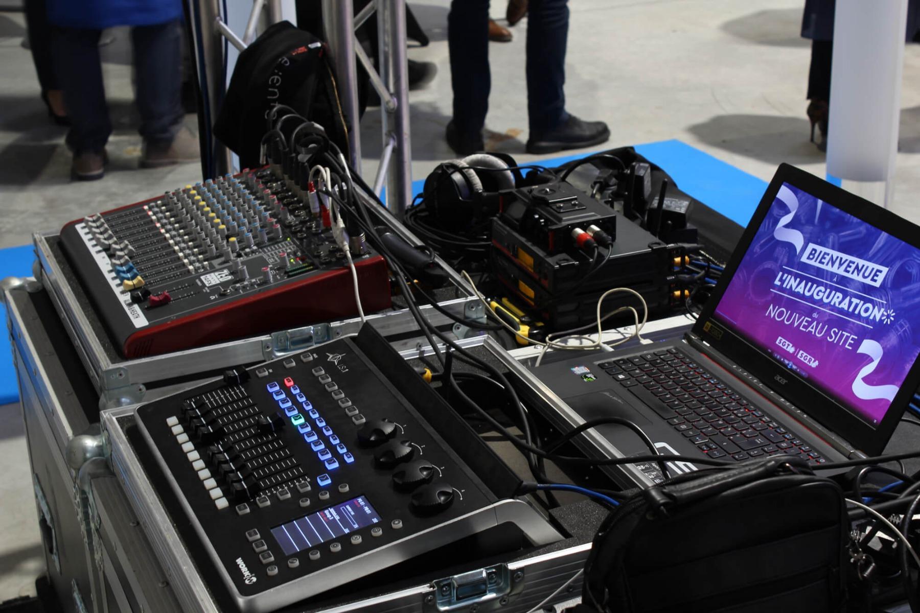 Console de mixage pour réglage système son et présentation vidéo