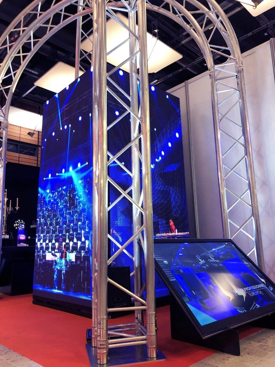 Ecran géant LED en cube